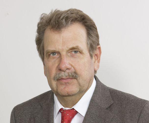 Reinhold Nelles